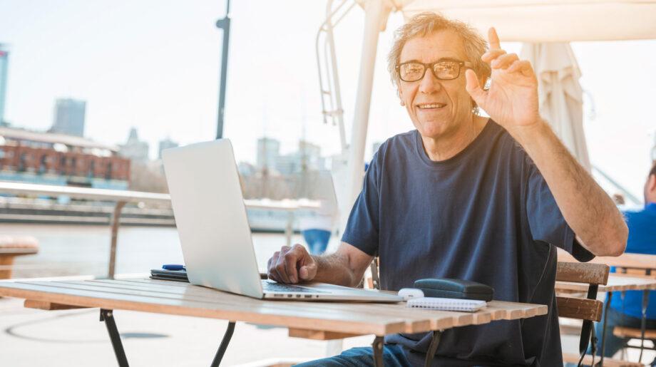 De 9 meestgestelde vragen over doorwerken na je pensioen